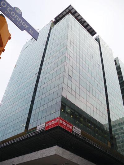 Drama in ottawa glass canada for Exterior home solutions ottawa